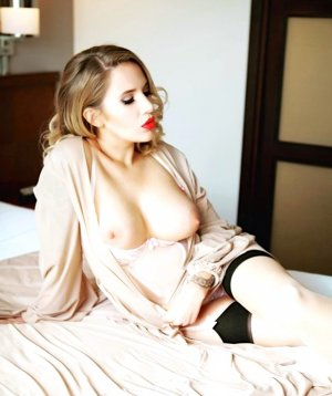 Eliska escort girl in Evanston Wyoming