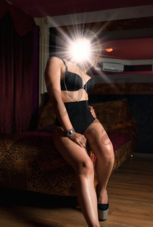 Isalia escort girls